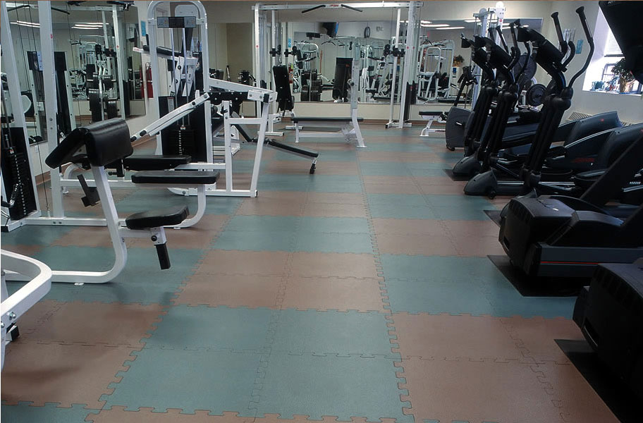 38 Inch Textured Virgin Rubber Tiles Upscale Gym Flooring