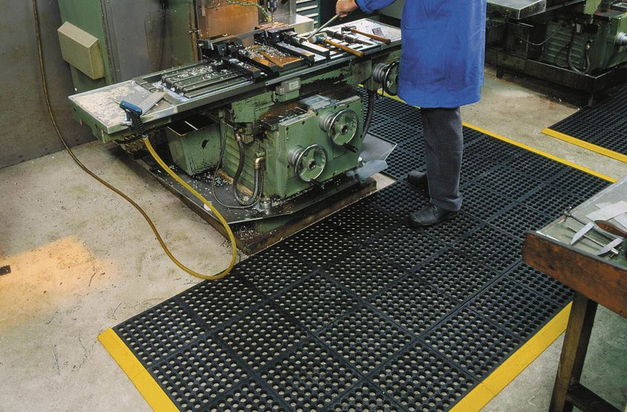 Notrax Cushion-Ease - Non-Slip Rubber Kitchen Matting
