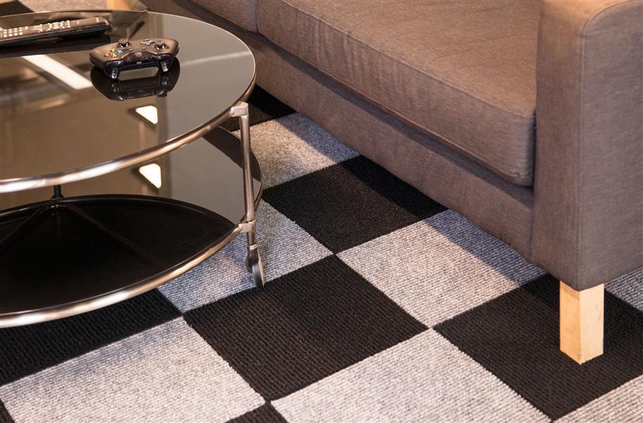 Berber Carpet Tiles Low Cost Self Adhering Floor