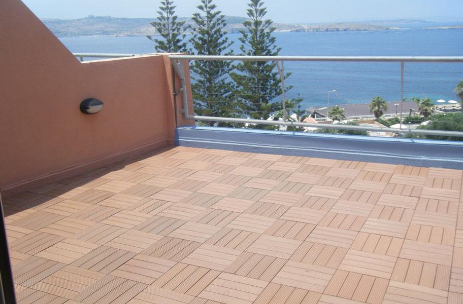 Naturesort Deck Tiles 4 Slat Fade Resistant Composite