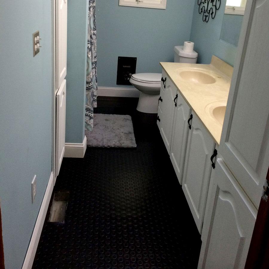 Rubber flooring bathroom - Rubberflooringinc Customer
