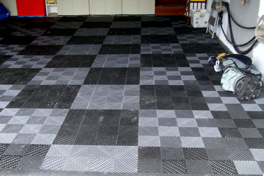 Vented GridLoc Tiles Garage Floor Tiles - Rubber grate flooring