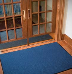 commercial kitchen mats to provide a safe anti slip surface
